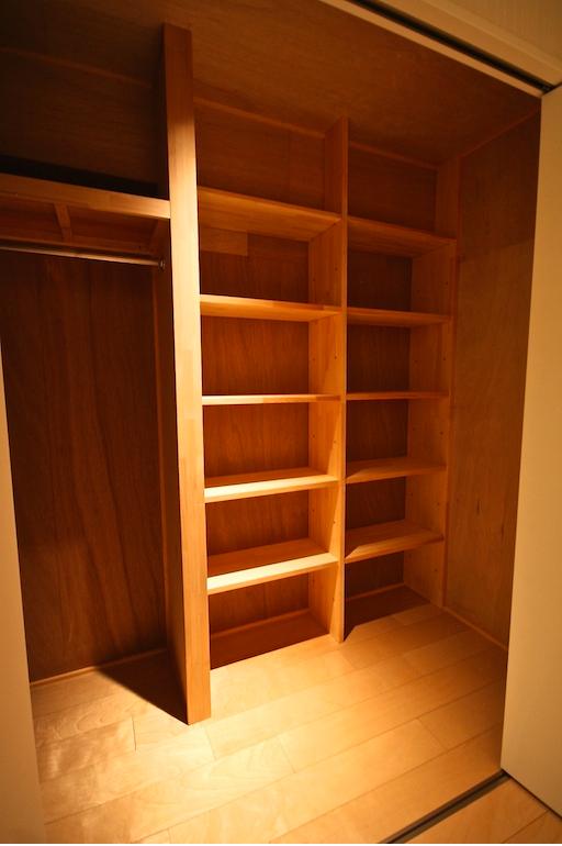 Villa Arashiyama walk-in closet. Photo: bee-crew.com