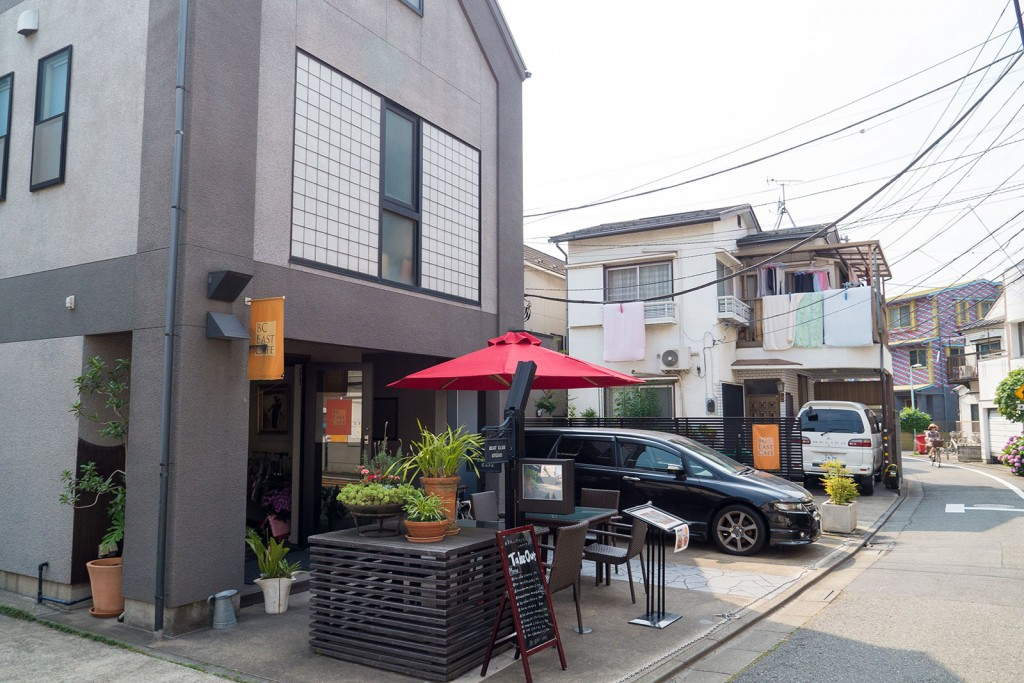 A cafe tucked into a quiet, residential neighborhood in Meguro.