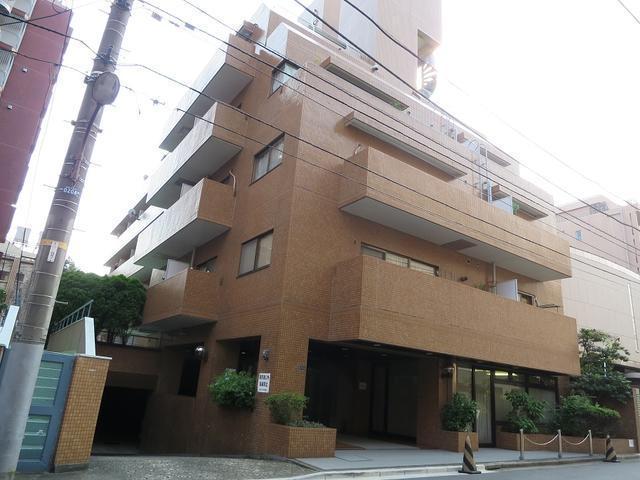 Studio apartment for sale in Roppongi.