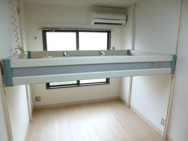 japanese apartment design luxury modern japanese living room ideas studio-apartment-for-rent-koenji-tokyo-2