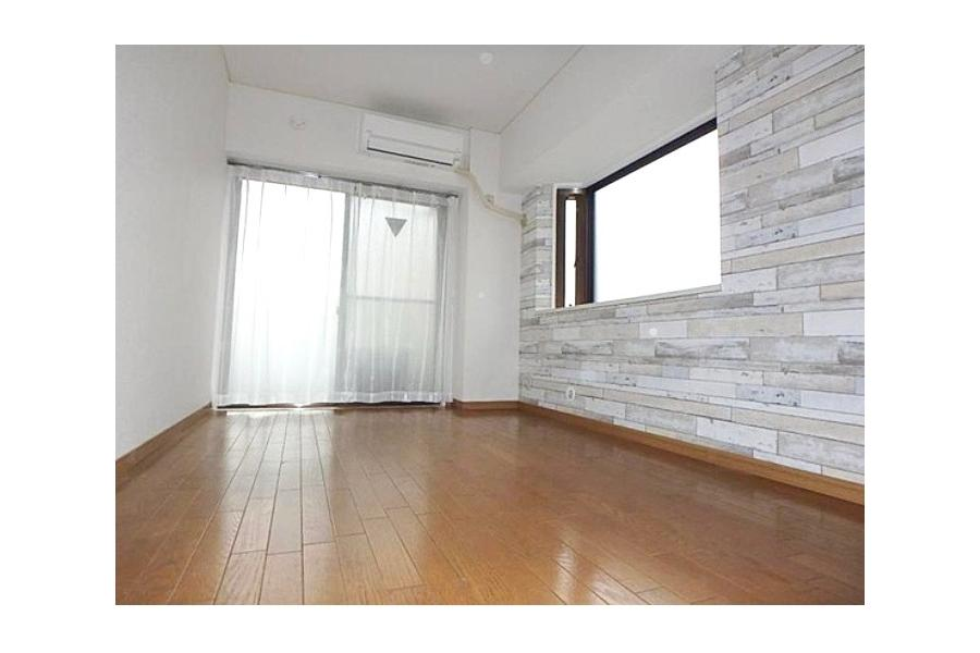 Renovated apartment for sale near Takaido Station