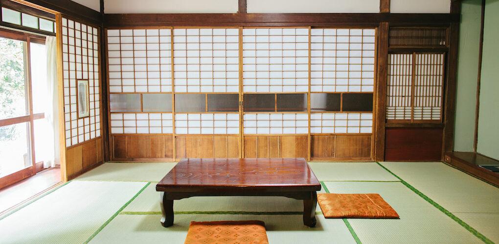 iStock-Empty Ryokan room-如何清潔保養日本公寓的榻榻米