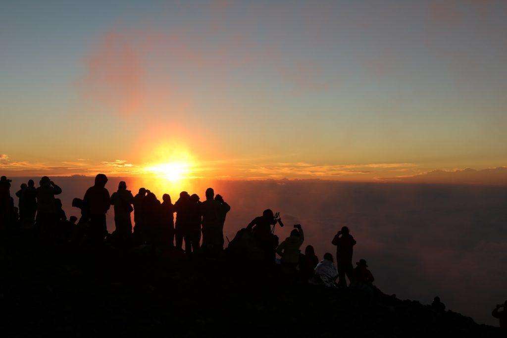 日出-富士山