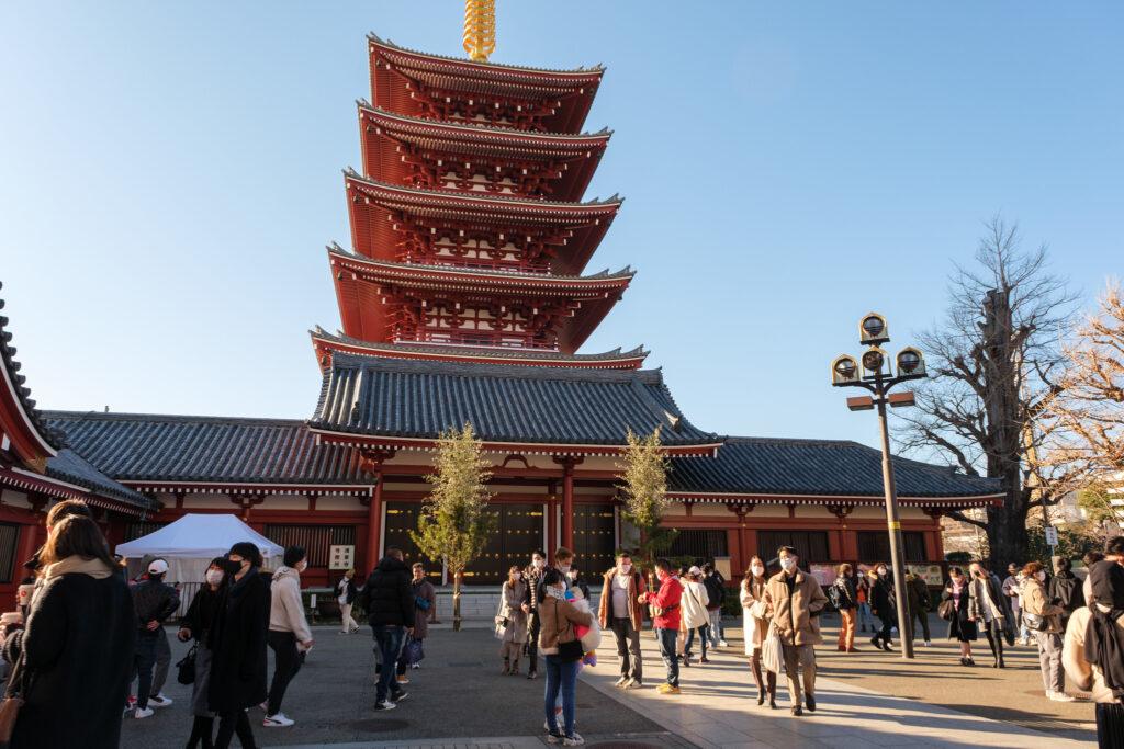 淺草寺的五重塔前