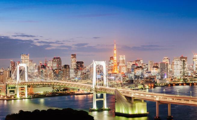 iStock-164190572-Minato-Tokyo-Tower-Rainbow-Bridge-東京タワー港-東京-台場